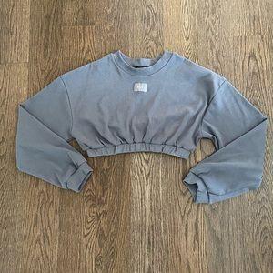 Prettylittlething Ribbed Crop Sweatshirt